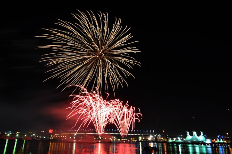 New Years Eve Cruises Melbourne | Fireworks Boat Cruise ...