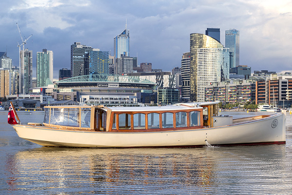 hire a skippered cruise boat, luxuriously appointed for hens nights in Melbourne